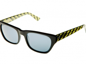 reagan-matte-blk-yellow-stripe-uv-angle